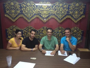 Firma del contrato con la Banda de Lopera